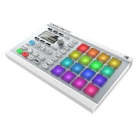 Native Instruments Maschine Mikro Mk2 Wht по цене 21 859.50 руб.