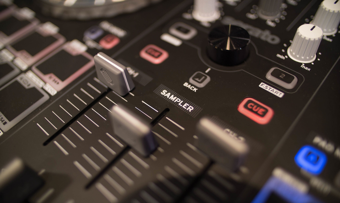 Musik Messe 2014: Reloop Beatmix 2 and 4 Serato контроллеры