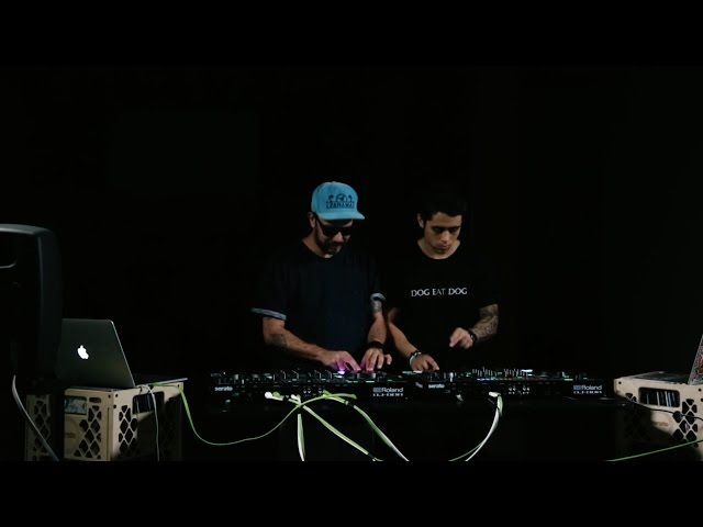 Tropkillaz live remix on the Roland DJ-808