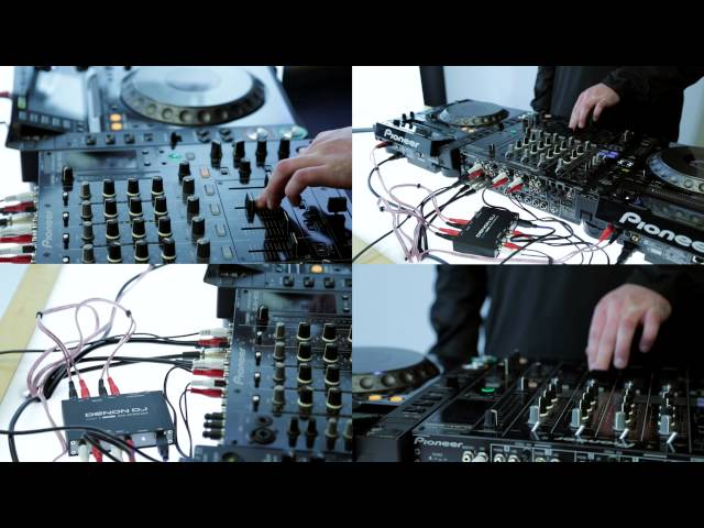 Denon DJ DS1 with Serato DJ 1.7.6 and CDJs