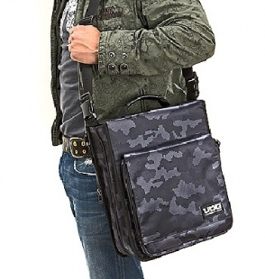 UDG CD Slingbag 258 Digital Camo Grey по цене 3 220 руб.