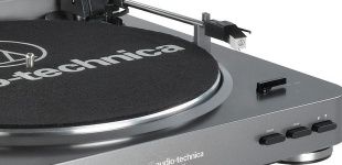 AUDIO-TECHNICA AT-LP60-USB по цене 14 490 руб.