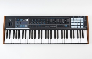 Arturia KeyLab 61 Black Edition по цене 22 135 руб.