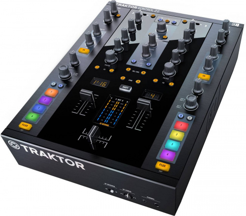Native Instruments Traktor Kontrol Z2 по цене 56 000 руб.