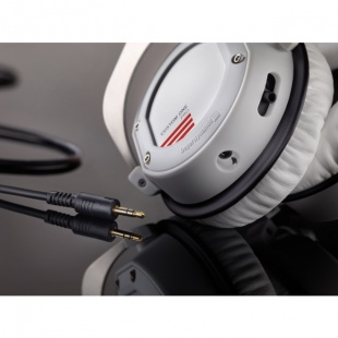 Beyerdynamic CUSTOM ONE PRO White по цене 13 310 руб.